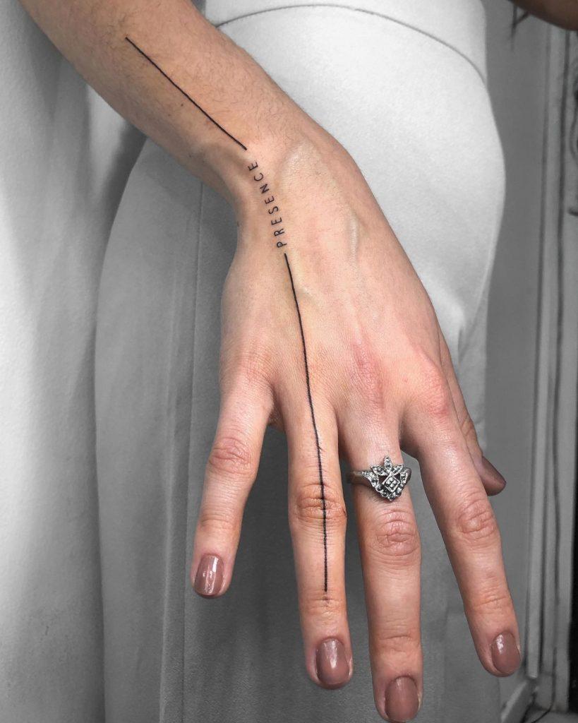Foto de tatuagem feita por Tamara Falcomer (@tamarafalcomer)