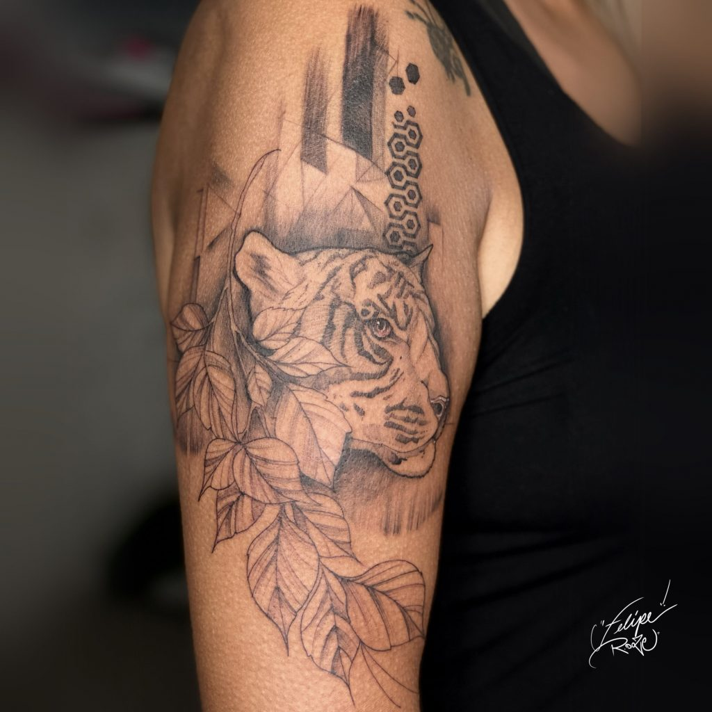 Foto de tatuagem feita por Felipe R.doze (@feliperdoze)