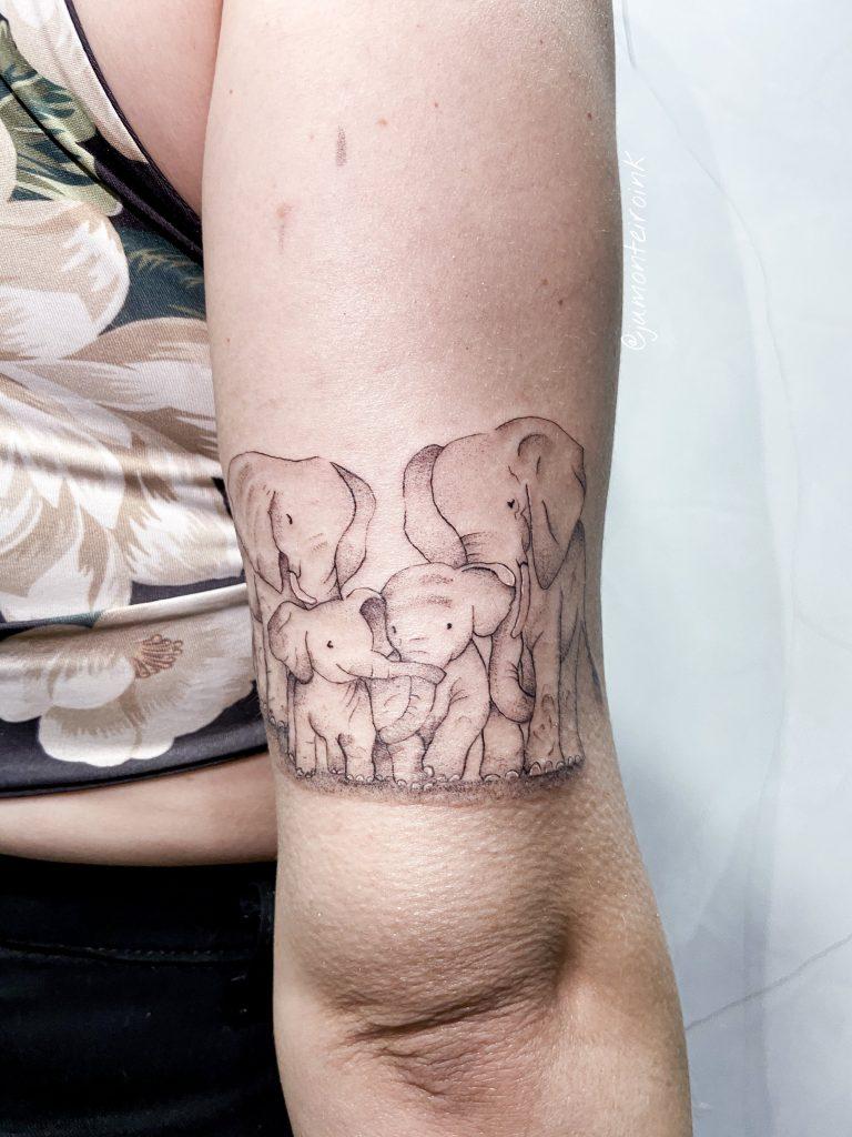 Foto de tatuagem feita por Juliana Monteiro (@jumonteiroink)