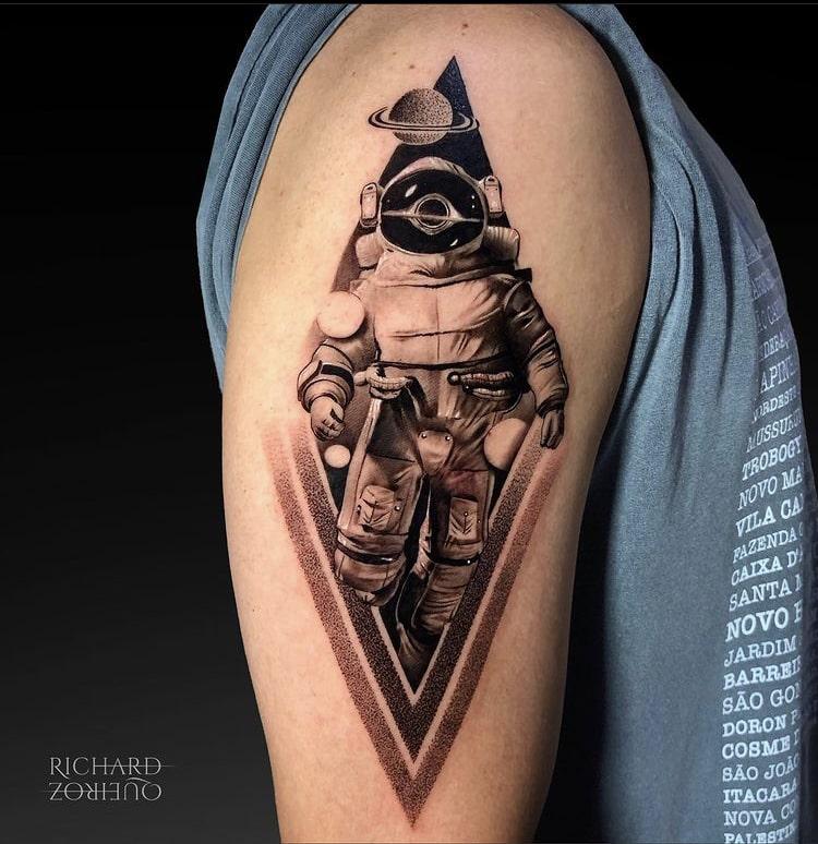 Foto de tatuagem feita por Richard Queiroz (@rick_tattooart)