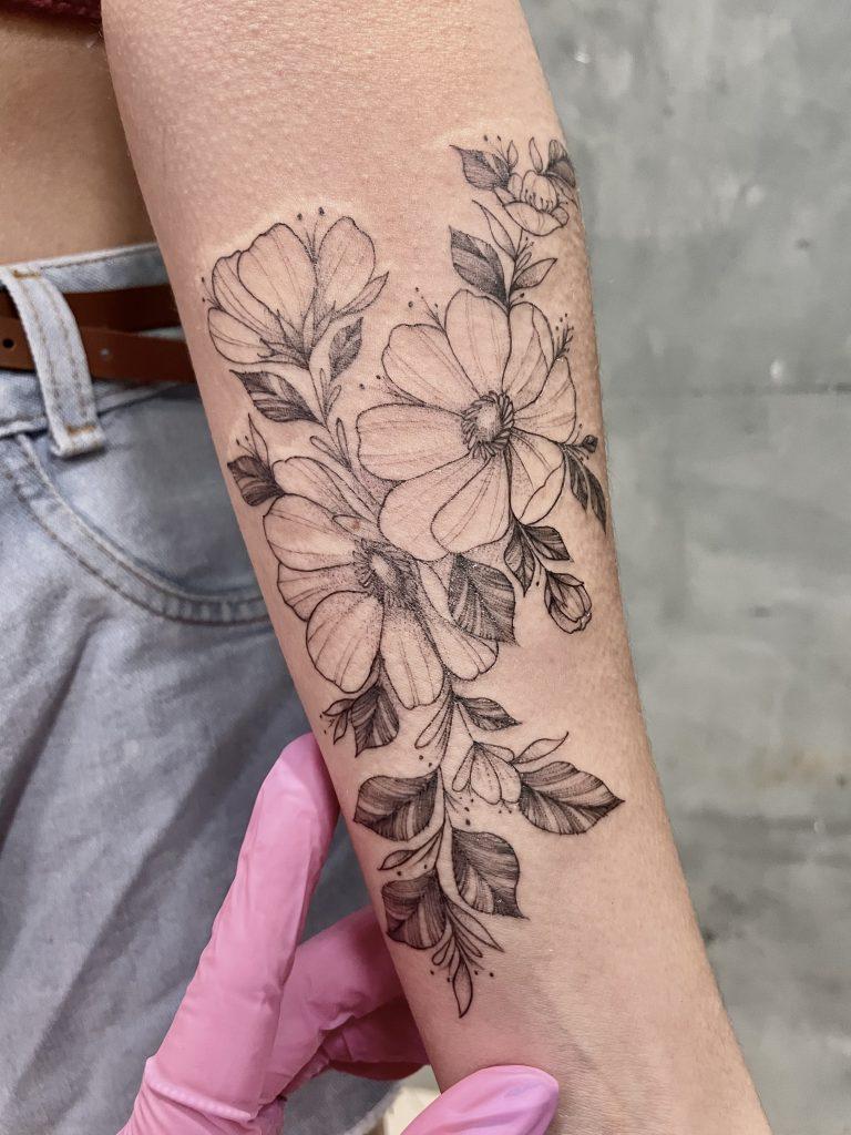 Foto de tatuagem feita por Drica Torrez (@drica.tattoo)
