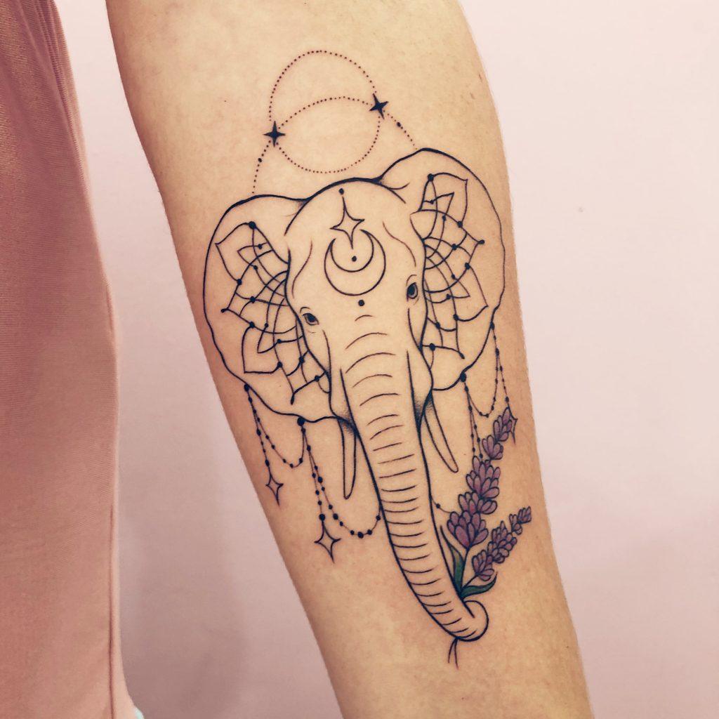Foto de tatuagem feita por Luana Dórea (@luanadorea)