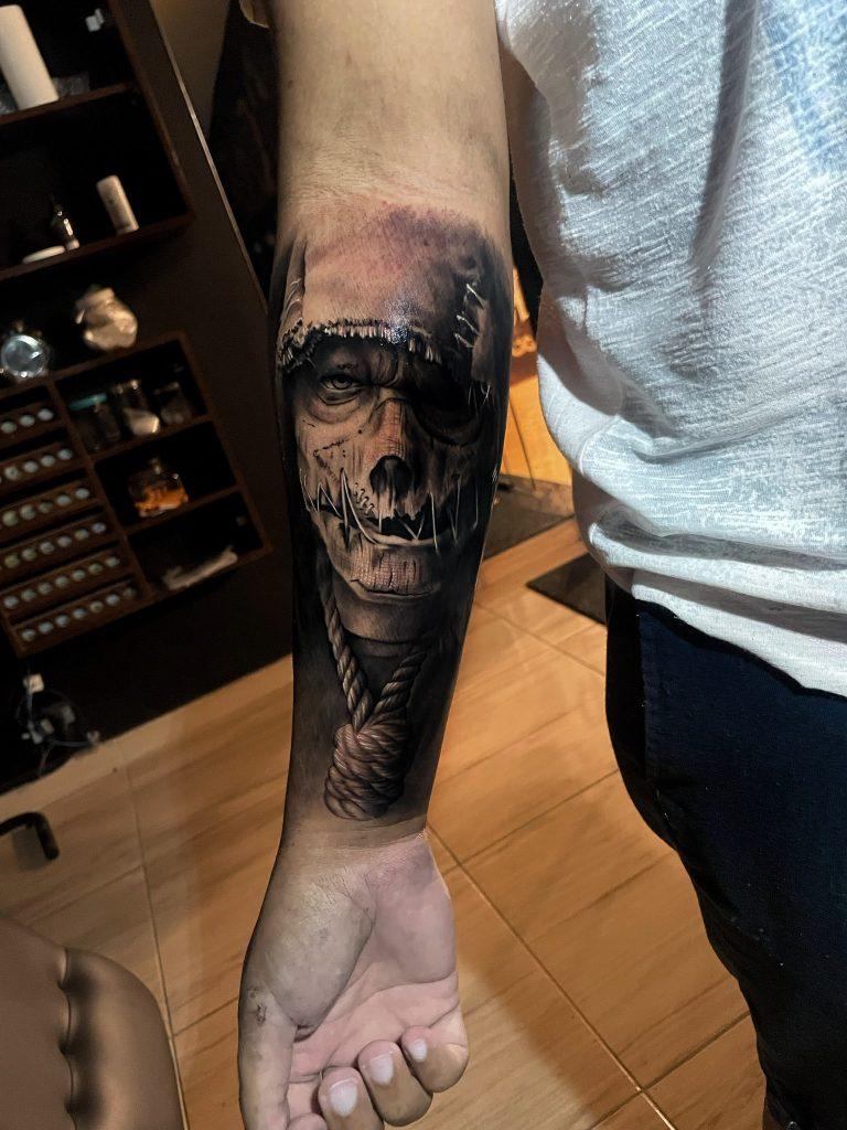 Foto de tatuagem feita por Rauni Durães (@rauniduraes)