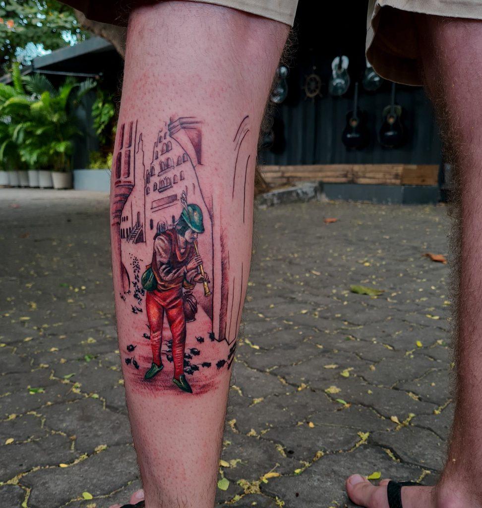 Foto de tatuagem feita por Lara Hiluy (@hiluyart)