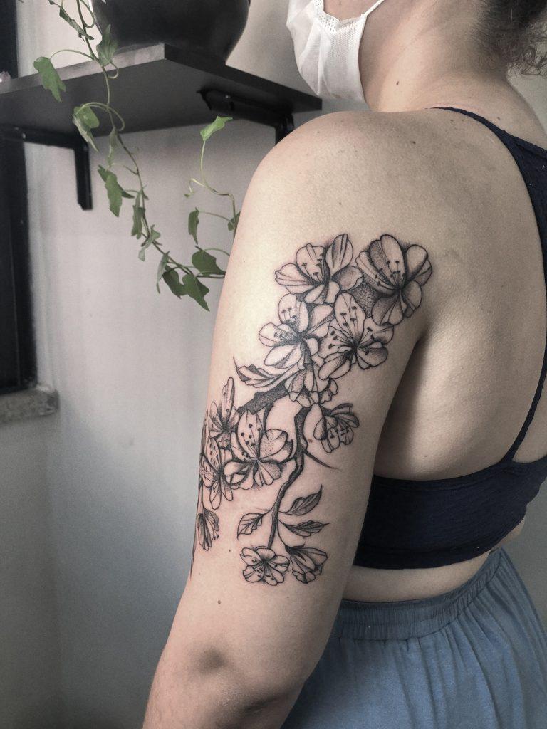 Foto de tatuagem feita por Luana Hansen (@luanahansentattoo)