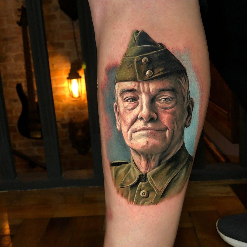 Foto de tatuagem feita por Raul Araújo (@raularaujoartist)