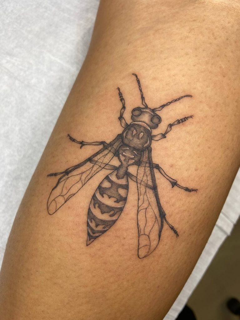 Foto de tatuagem feita por Nécyca (@necyca)