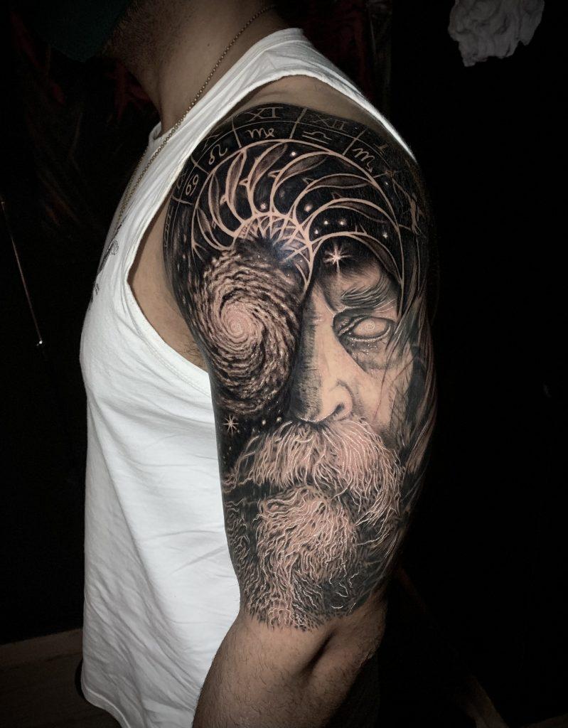 Foto de tatuagem feita por Uncas Celuque (@uncasceluque)